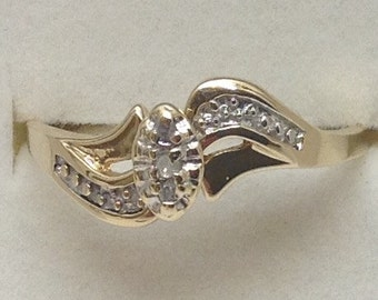 Engagement ring. Size 10. 10 kt gold