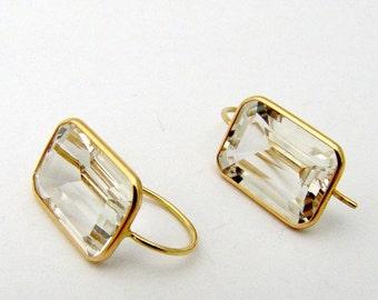 SaLe! sALe! 14K Gold Emerald Cut Crystal Earrings