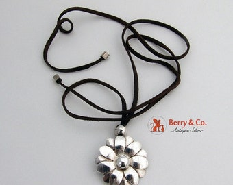 SaLe! sALe! Vintage Necklace Sterling Silver Flower Pendant
