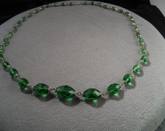 Vintage Sophisticated Couture Green Glass Beads & Links Long Stately Necklace!~~ **RL