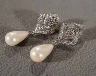 Vintage Art Deco Style Silver Tone Rhinesstone Faux Pearl Tear Drop Dangle Pierced Earrings Jewelry -K#27