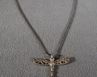 Vintage Art Deco Style Sterling Silver 10 grams Dragonfly Pendant Necklace Jewelry     K#22