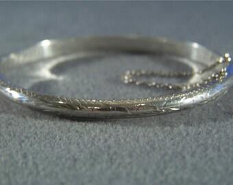Vintage Sterling Silver Etched Fancy Floral Bangle Bracelet W    **RL