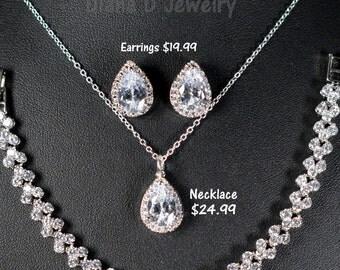 Bridesmaid gifts ,Wedding Jewelry Bridesmaid Jewelry Bridal Necklace Bridesmaid Necklace Clear White swarovski Crystal drop Necklace