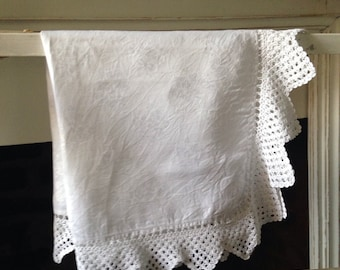 Antique Tablecloth, Antique Table linen, Vintage Tablecloth, Vintage Table Linen,  Vintage Damask, VTC80