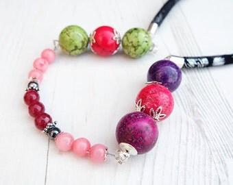 Crystal Gemstone Necklace-Jade Coral Necklace-Coral Jewelry-Chunky Necklace-Beaded Necklace-Multicolour Necklace-Green Pink-Boho Necklace