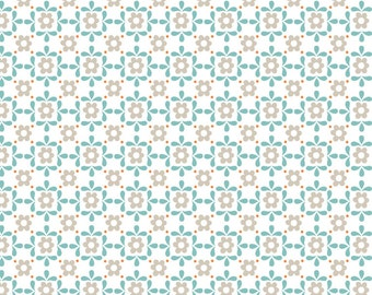 Lewis & Irene Patchwork Quilting Fabric Sam and Mitzi - A106-3 Blue Daisy on White