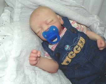 Baby Boy (Ember Sculpt)