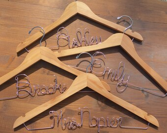 SALE Set of 3 Bridesmaid Hangers, Set of 3hangers, Bride Hanger, Name Hanger, Wedding Hanger, Personalized Bridal hanger, Bridal Gift