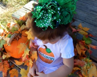 Zoey Capr's BOWtique Stand Out Bow