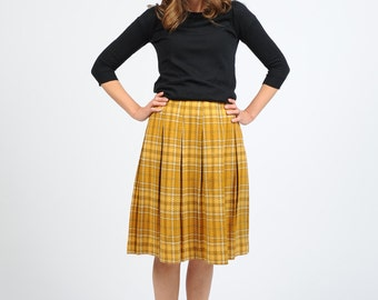 Vintage 1960s Yellow Plaid Pleated Skirt Small