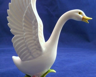 WHITE DUCK STATUE White Duck Figure White Duck Figurine with Raised Wings, Ceramic White Duck with Raised Wings Statue