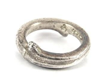 Jewish wedding ring spinner
