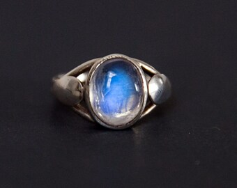 Moonstone Ring - Rainbow Moonstone Ring size 6, 6.5, 7, or 7.5 - Blue Rainbow Moonstone Ring - Rainbow moonstone Ring - Moonstone Ring