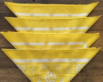 Vintage Set of 4 Yellow & White Floral Cotton Napkins