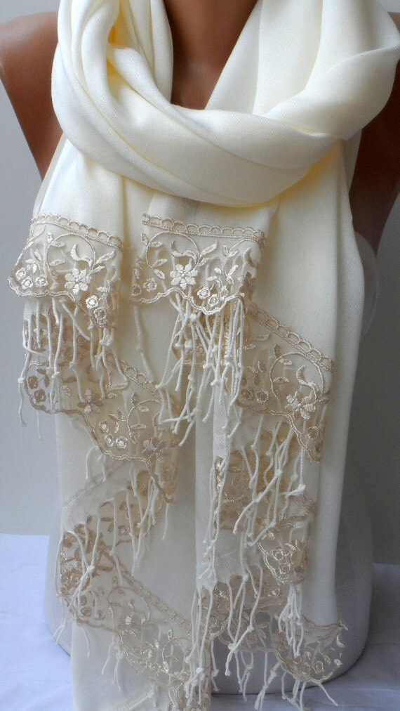 Cream Puff Pashmina Shawl is perfect for any occasion. You can use it as an evening wrap, travel wrap, wedding pashmina for bridesmaids and guests, prom shawl. Pashmina Shawl is a must have for any official event or dining out.