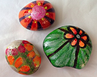 Set of 3 Hand Painted Pebbles - Flowers