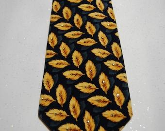 Golden yellow leaf rhinestones necktie