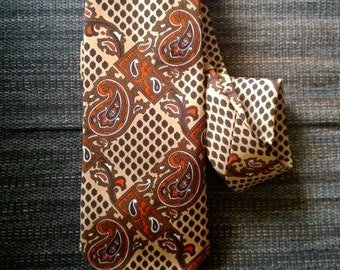 Vintage Retro 1970s Mens Neck Tie Brown Tan and Red Paisley Geometric Design