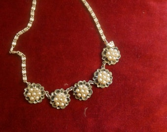 Gorgeous 50's pearl encrusted necklace - gold tone metal