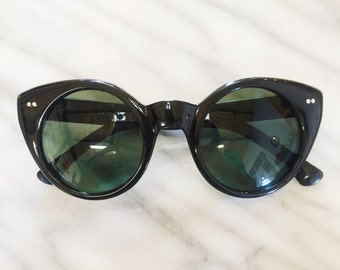 sunglasses / Oversized round black cateye sunglasses / vintage style round wayfarer