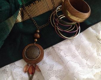 Frida Kahlo style jewelry set. Vintage bracelets, necklace and earrings. Frida costume.
