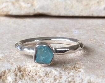 US 9, Raw Apatite Ring, Apatite Silver Ring, Rough Natural Gemstone Ring, Rough Apatite Ring, Natural Apatite Gemstone Silver Ring