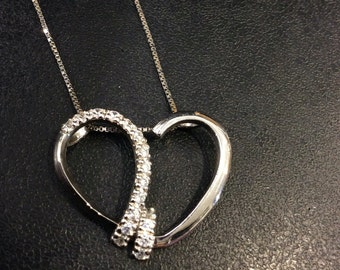 "Silver heart pendant set with cubic zirconia on 18"" box chain"