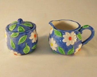 CREAMER and Sugar ~  Blue with white Daisies