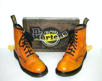 Spring Sale*Uk 6~Rare Orange Floral Leather 1460 Doc Martens -Made in England -- size 6 UK = size 7 US Mens = size 8 to 8.5 US Women