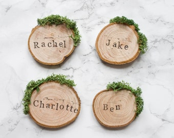 Wedding Place Cards / Rustic Place Settings / Wooden Wedding Favours / Wood Slice Place Names / Woodland Wedding / Moss Escort Cards / UK