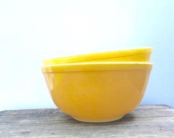 Yellow Pyrex Set