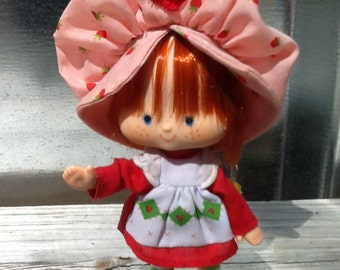 Original Vintage STRAWBERRY SHORTCAKE Doll