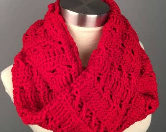 WOMEN'S TWIST Infinity Crochet Scarf, Crochet Infinity Scarf, Gifts for her, Scarves, Women's crochet scarf, Winter Accessories, Scarf. Cowl