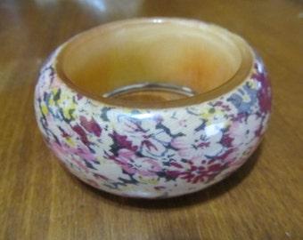 Vintage Chunky Floral Resin Bangle Bracelet Beige and Maroon