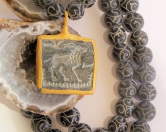 Ancient Bactrian Amulet Pendant Necklace with Carved Agate Gemstone Beads