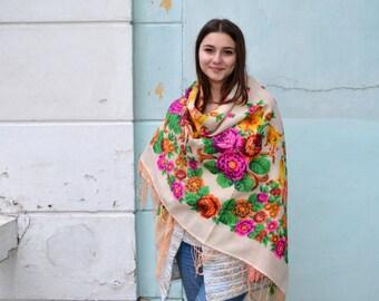 Vintage Ukrainian shawl, russian shawl, Russian Floral Scarf , floral scarf, floral shawl, white shawl,boho wedding shawl