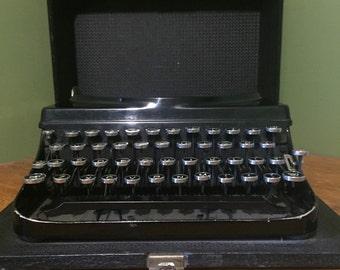 Vintage Remington portable typewriter  1920's