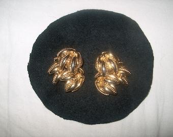 Vintage Costume Jewelry Clipback Earrings Goldtone, WAS 15.00 - 50% = 7.50