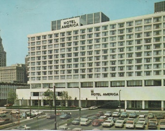 1 Unused Postcard, Hotel America, Hartford, Connecticut, some wear, c1970s