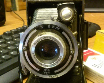 antique camera Seinheil-Cassar Vario