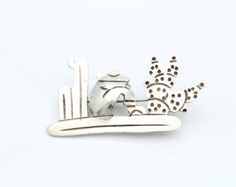Vintage Handmade Mexican Brooch With Man Resting by Cacti in Sterling Silver. [9035]