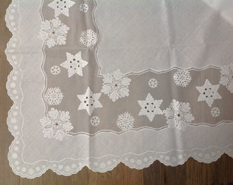 Vintage white Miles Kimball oblong faux linen snowflake tablecloth