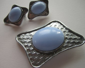 1960s modernist brooch and matching clip-on earrings