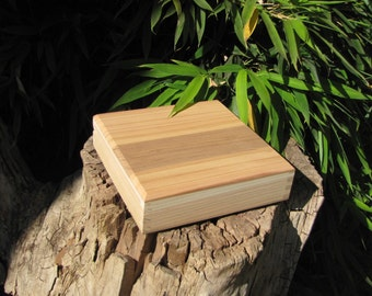 """Unfinished Box with Liner in Cedar 7 1/4 """" x 7 1/4"""" (uf30628A)"""