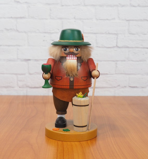 Erzgebirge Germany Volkskunst Richard Glasser Winemaker Vintager Nutcracker