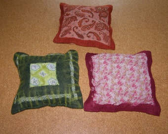 Felt pillows filled, sofas, pillows felted, two to choose from