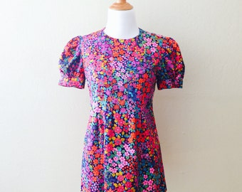 No In-Betweems Blouse | vintage 1960s flower power tunic