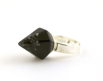 Black with silver flakes faceted spike, pyramid resin ring.