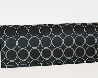 Silk Clutch - Black Circle
